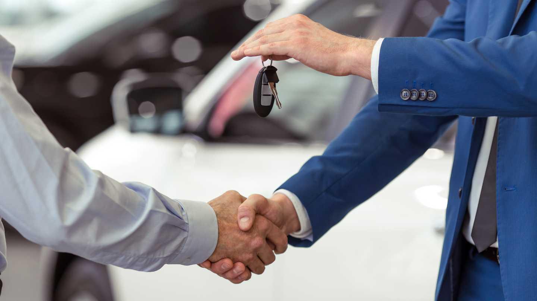 Auto supirkeju paslauga senu automobiliu supirkimas